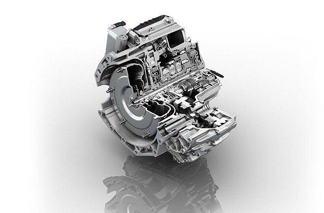 Range Rover Evoque搭載全球首具9速手自排旋鈕式變速系統,以更寬...