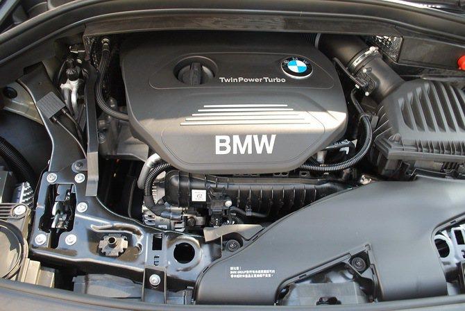 新增的三缸引擎結合高增壓缸內直噴供油系統,創造大馬力與低油耗表現。 記者趙惠群/...