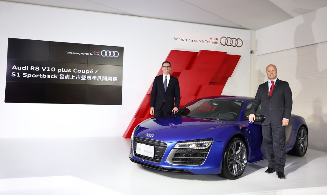 Audi Taiwan新任總裁Ryan Searle(右)與行銷總監Edward...