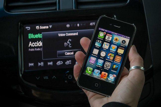 早在CarPlay之前,APPLE就已經積極與不少汽車品牌在整合智慧型手機領域合...