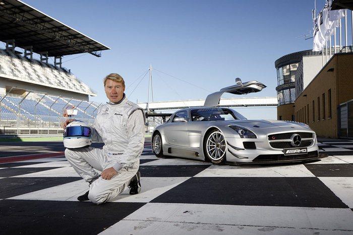 AMG品牌大使Mika Hakkinen曾兩度拿下F1總冠軍,此次特別來台分享他...