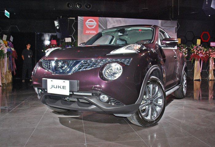 Juke的2015年式也導入全新熾豔黃及魅麗紫車色,讓外型具魅力。 記者趙惠群/...