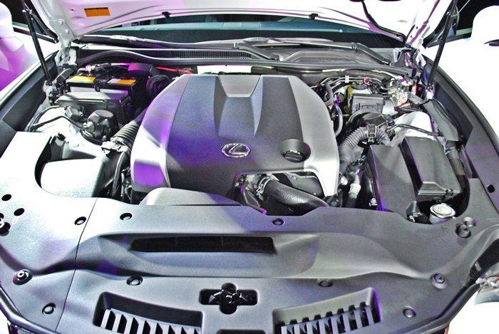搭載3.5升V6引擎,結合Dual VVT-i及ETCS-i等科技,最大馬力31...