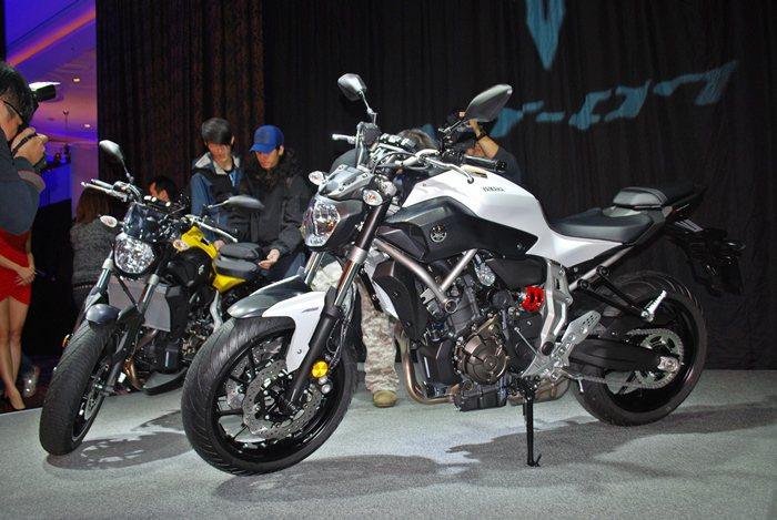 全新MT-07有輕量化十字曲軸概念的689cc水冷直列雙缸引擎,具有充沛的大扭力...