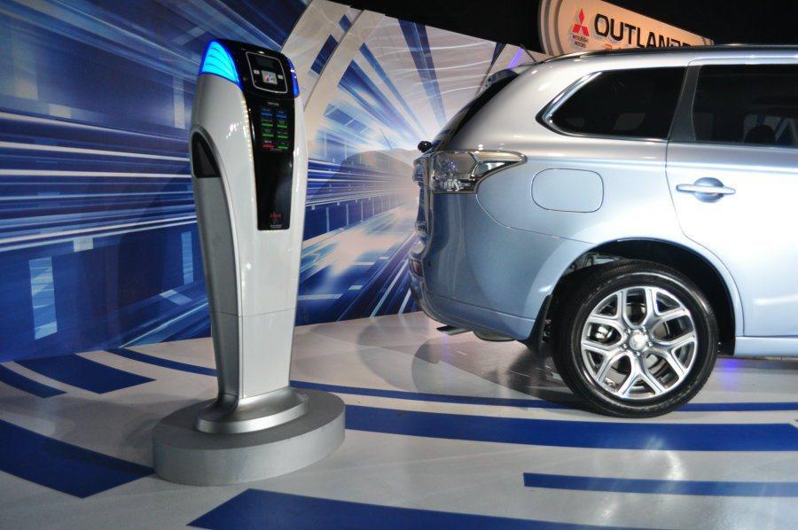 中華汽車積極建設公共基礎充電設施,包含全國12處據點、集團體系下的全國各地電動車...