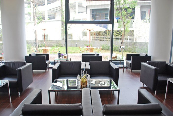 室內裝潢如精品酒店,並配備頂家俱。  記者趙惠群/攝影