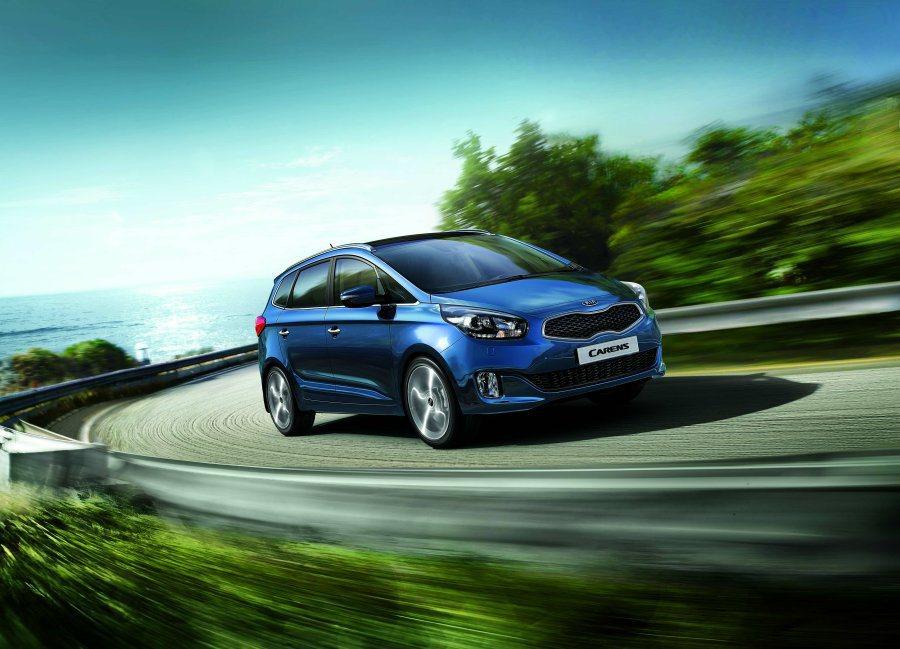 KIA全新國產MPV-Carens今天上市,五人座入門的豪華版售價76.88萬起...