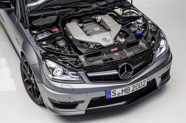 6.3L AMG V8引擎,在調校過後能夠輸出507hp,名副其實。 AMG