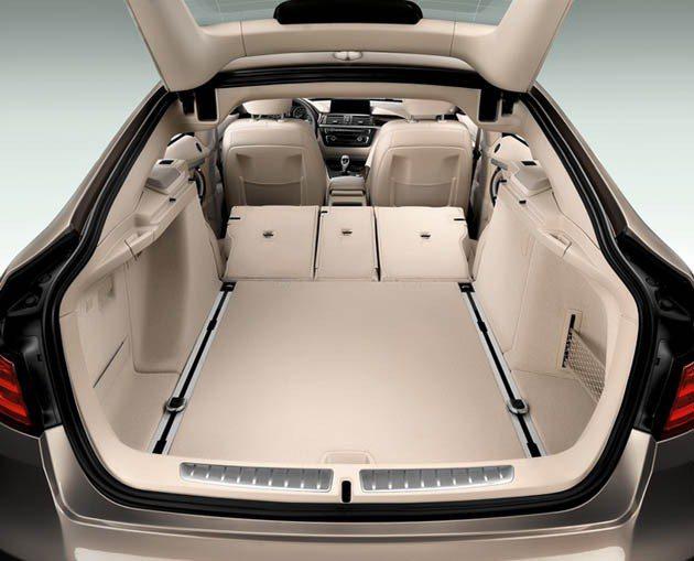 BMW 3系列Gran Turismo尾門有大開設計口_後座可前傾摺疊 BMW