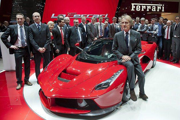 法拉利總裁盧卡•迪•蒙特澤莫羅說選擇這個車名,因為它能極度傳達「卓越」。 Fer...