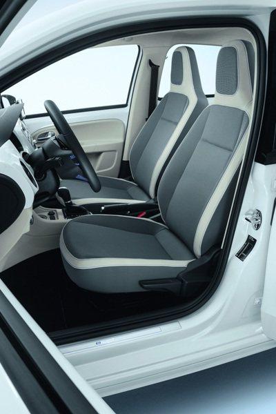 e-up!座椅採灰白雙色組合。 VW