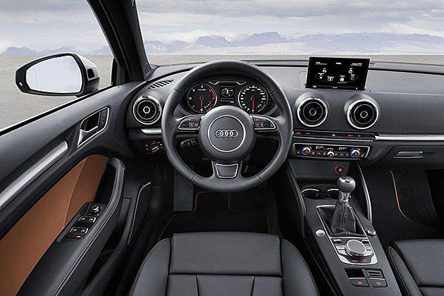 內裝格局與掀背車型並無太大差異,僅針對車型不同於細節設計與材質上加以區別。 Au...