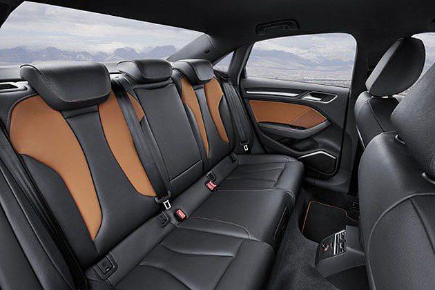提供四種顏色搭配的內裝,提供了年輕化的設計氛圍。 Audi