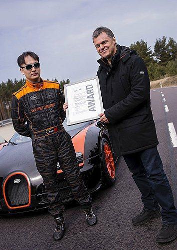 中國車手Anthony Liu(左)。 Bugatti