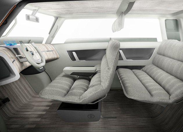 內裝如同客廳沙發一般的舒適。 Toyota
