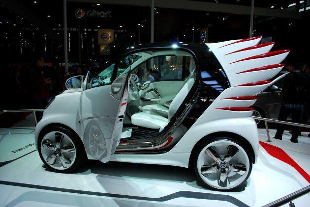 Jeremy Scott希望從平凡的事物中設計出一些東西,傳達時尚概念。 趙惠群