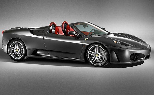 法拉利F430 Spider敞篷跑車。 Ferrari