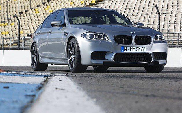2014 M5跟著5-Series一同改款。 BMW
