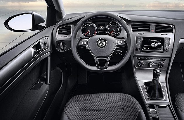 搭載疏齒比手排變速箱。 VW