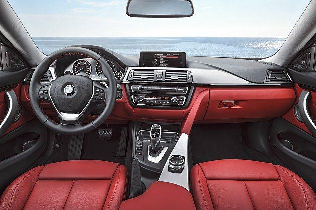 中控台內建iDrive系統,並附導航與藍牙及智慧行動裝置連結功能。 BMW