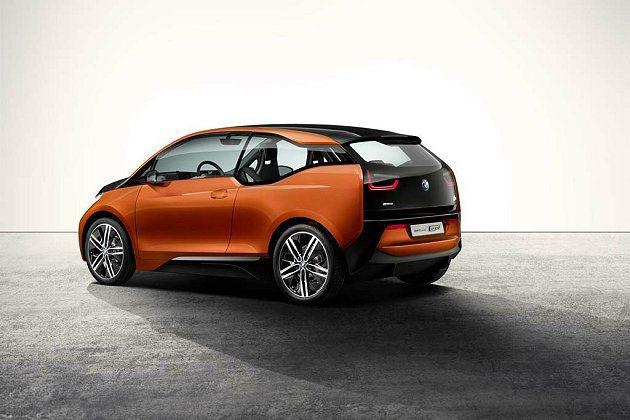 有10萬人等著體驗i3的駕馭樂趣。 BMW