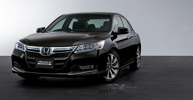 Accord Hybrid車頭下氣壩有繁複立體的下擾流。 Honda