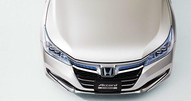 車頭飛翼式水箱罩採多重材質組合。 Honda