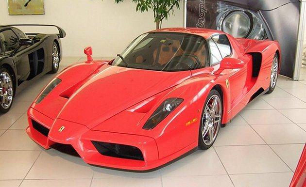 跑了9,500公里的Ferrari Enzo。 Garage Zenith
