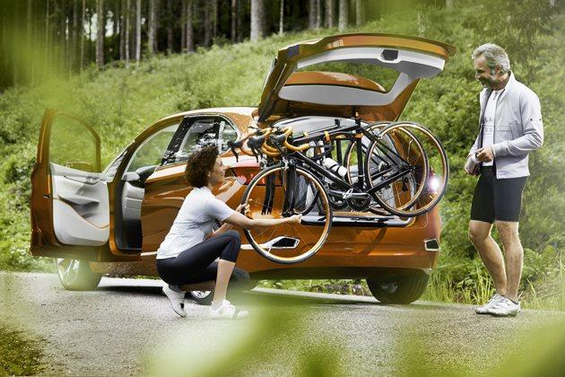 Concept Active Tourer Outdoor手臂式自行車架方便自行...