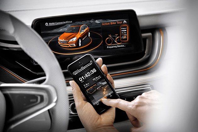 中控台具備和手機互聯功能,並有新的App可利用手機操作BMW Connected...