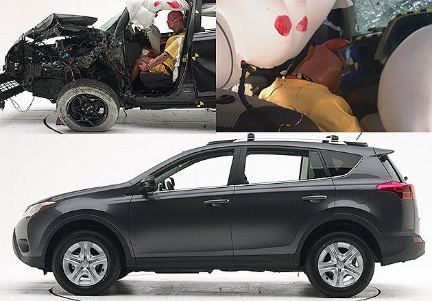 可見車頭側部受撞擊面的情況,而駕駛人的頭部也閃過了氣囊而受創。 IIHS
