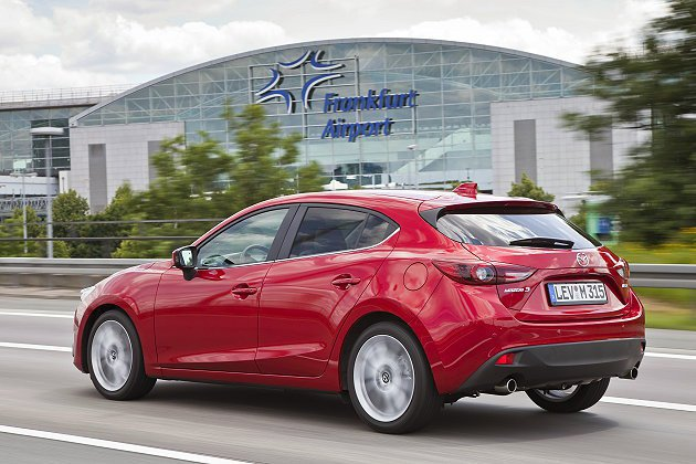 Mazda3車尾構型完全跑格與車頭呼應。 Mazda