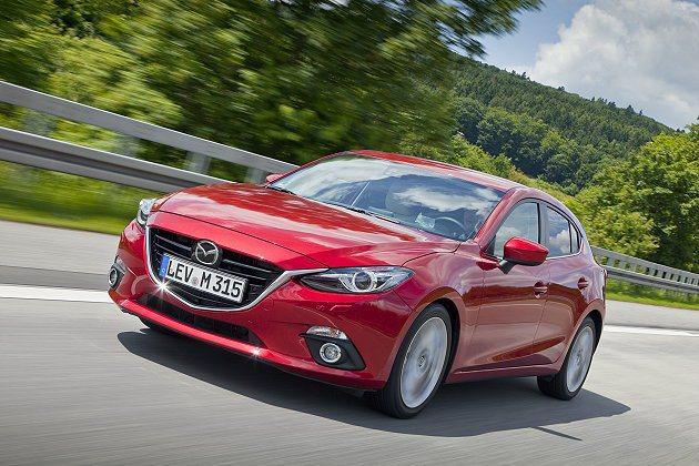八台全新掀背Mazda3將進行1.5萬公里長征,由廣島開往法蘭克福車展。 Maz...