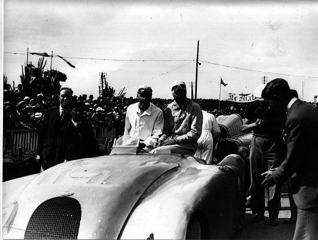 圖為Jean Pierre Wimille與Robert Benoist在193...