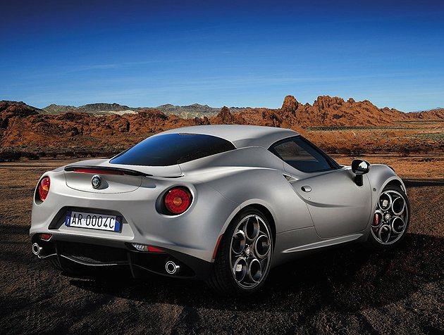 4C絕美的線條,就跟大哥8C一樣。  Alfa Romeo
