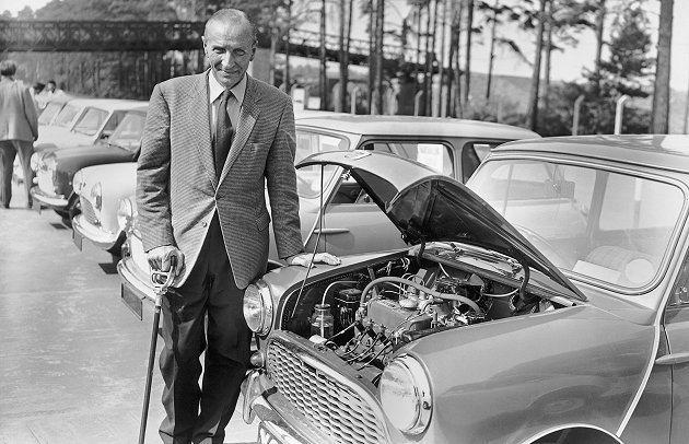 艾利克伊席格爵士一手創造獨特的MINI,為全球小車發展設計奠定基石。 MINI提...