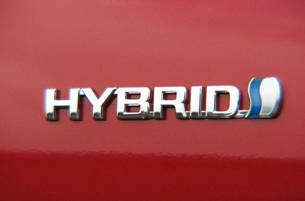 油電混合車與電動車省油,但價格不便宜。 Toyota提供
