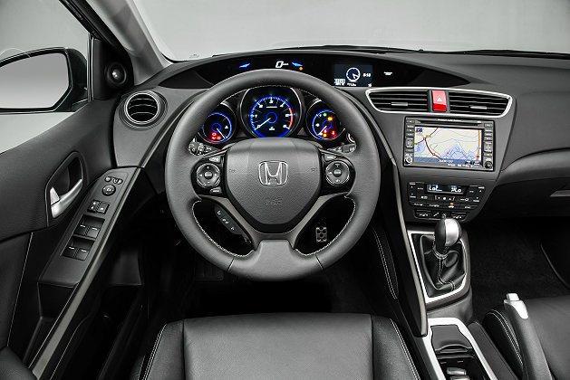 Civic Tourer內裝鋪陳與掀背車相同。 Honda提供
