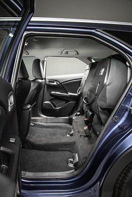 6/4分離式後座可快速摺疊。 Honda提供