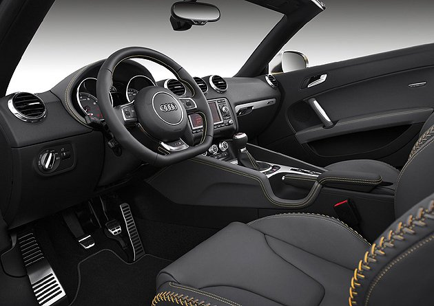 TTS的運動化內裝。 Audi