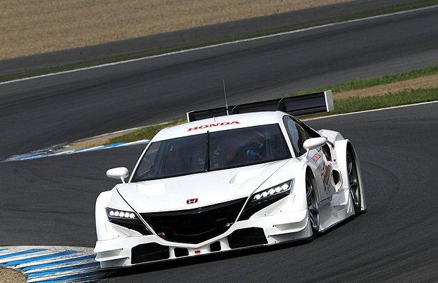 nsx的量產,隨著改車在各大賽場曝光,讓車迷更為期待。 Honda