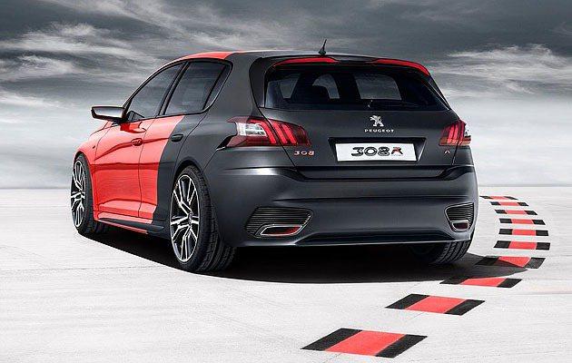 車尾線條如同其他歐系鋼砲。 Peugeot