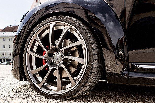 20吋ABT鋁圈是VW的夢幻藝品。 ABT