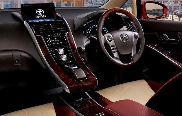 米色加紅色混搭的內裝。 Toyota提供