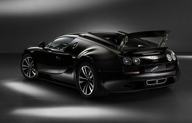 外觀為黑色塗裝、碳纖維材質。 Bugatti提供