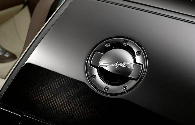車身上Jean Bugatti簽名。 Bugatti提供