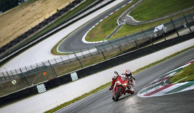 899 Panigale經歷過最嚴苛的賽道測試。 Ducati