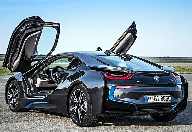 鍘刀式車門傳承概念。 BMW
