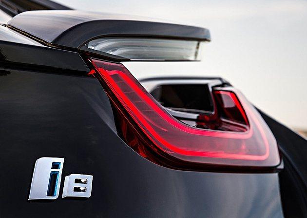 尾燈的設計還是相當的概念型態。 BMW
