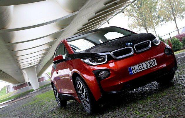 因為評審們認為i3是一部可持續發展、以環保訴求為設計的車輛,為零碳排放、智能化的...